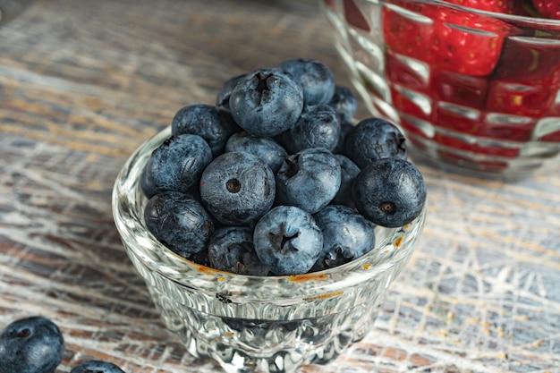 朝食にはブルーベリーとイチゴを用意しています。健康的な食事