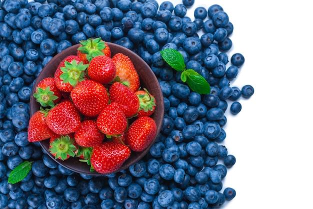 ブルーベリーとイチゴ。上面図。