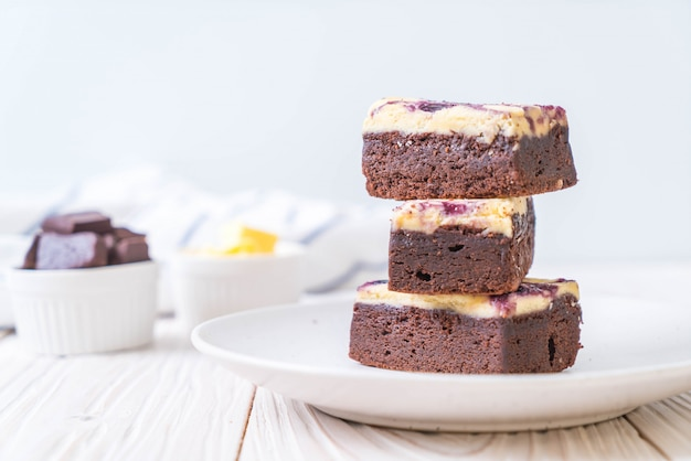 Blueberry cheese brownies