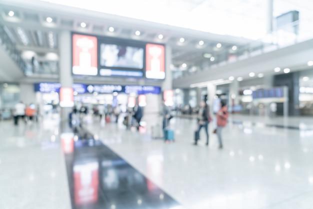 空港で観光客とシーンをぼかし