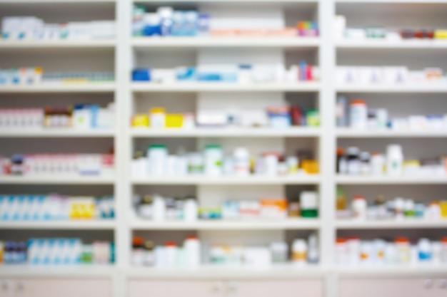 약국 상점에서 마약 선반을 흐리게 처리하십시오.