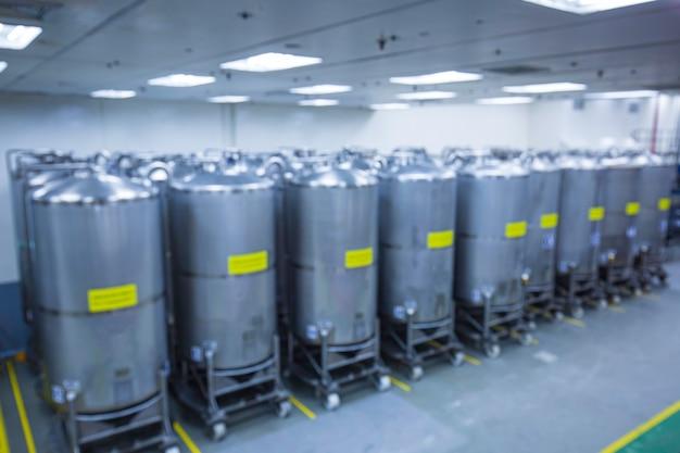 スクロールホイール付きの設備タンク化学セラーを備えたステンレス鋼グループの垂直鋼タンクをぼかすステンレス鋼タンクの洗浄と化学プラントでの処理