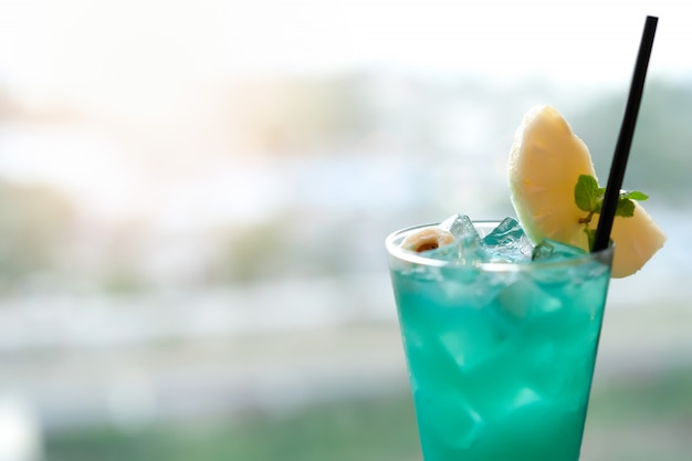 Blurred cold drink is green lemon for summer holiday.