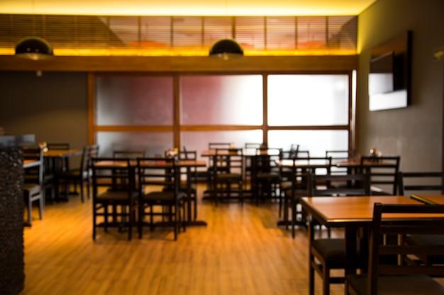 背景の使用のための日本食レストランのぼやけた画像。