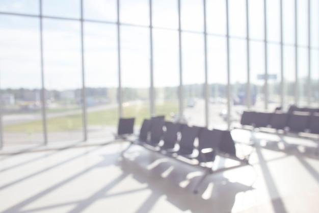 空港での戦闘を待っている乗客のためのぼやけた座席