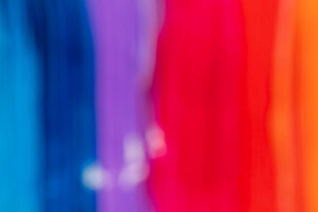 ぼやけた赤と青のペイントストローク