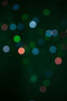 多くの緑色のライトのぼかし