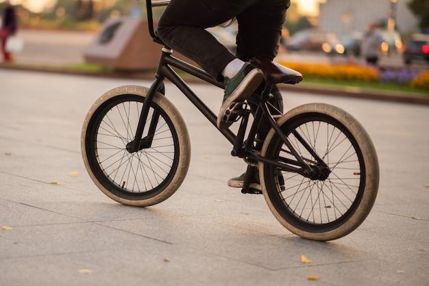Велосипед bmx для различных трюков. для любых целей.