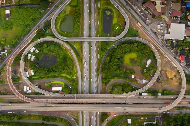 タイ空撮で美しい環状道路と高速道路形状boリーフ