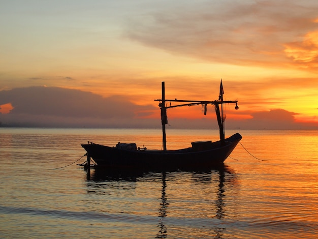 潮の時間で日の出浜でボートします。