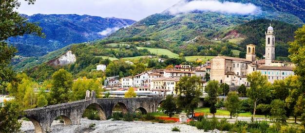 Боббио - одна из самых красивых средневековых деревень италии в эмилии-романье.