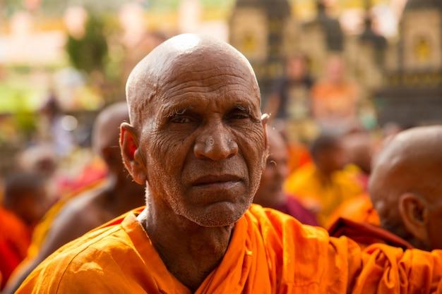 Bodhgayaの人々、そしてbodh gayaは仏教の宗教的な場所です。