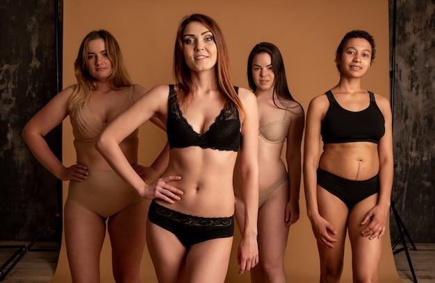 ボディポジティブの概念。自信とボディポジティブな女性。