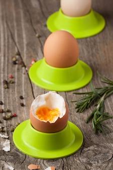 Вареные яйца и розмарин