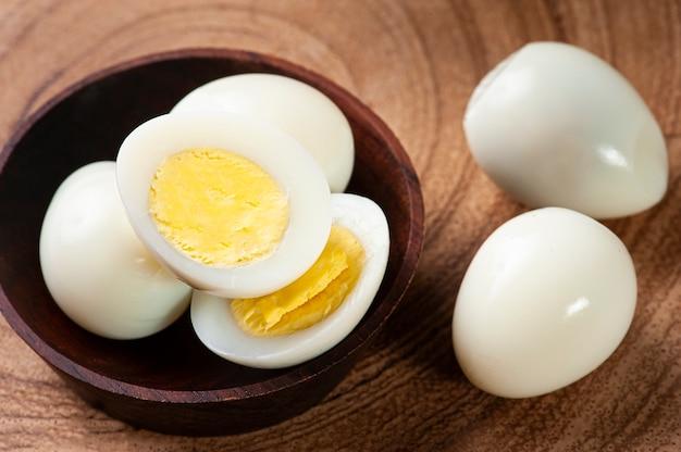 Вареные перепелиные яйца
