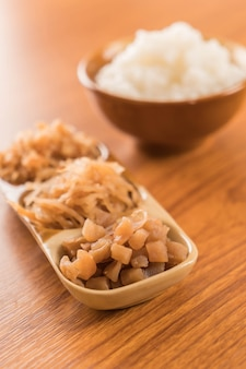 Boiled rice with pickled radish