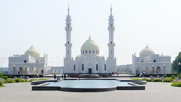 Город болгар, татарстан, россия: белая мечеть