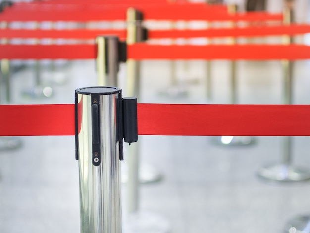 Bollard metallic for waiting lane check in counter or ticket sales points.