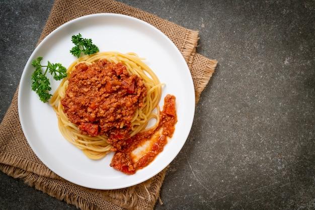 Bolognese spaghetti with pork