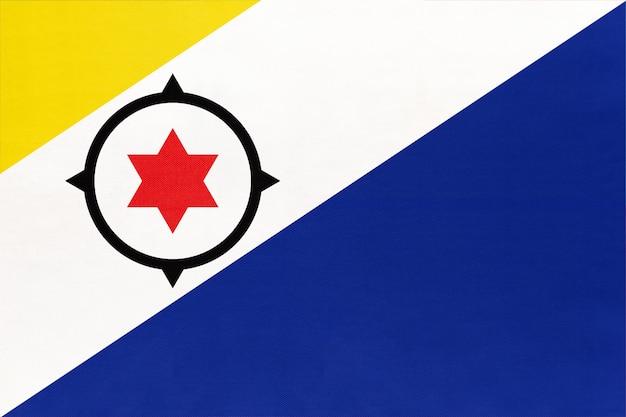 ボネール島の生地の国旗、繊維の背景。