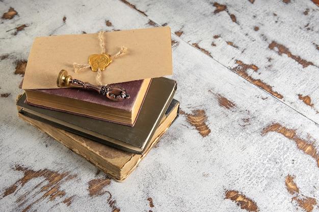 Книга и печать на завещании и последней воле. государственные нотариальные инструменты