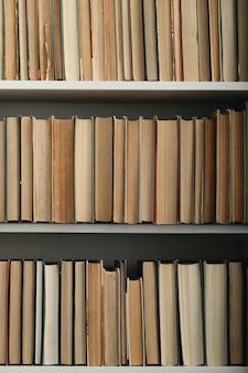 Libri in biblioteca Foto Gratuite