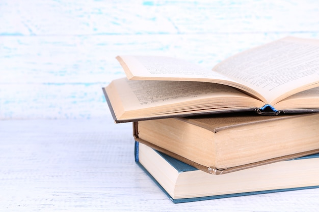 가벼운 나무에 관한 책