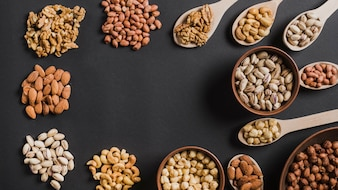 Border from various nuts