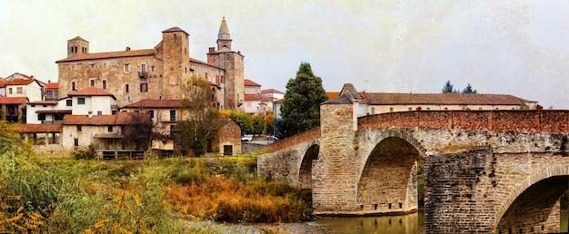 イタリア北部、ピエモンテのアスティ地方にあるボルミダ修道院と城。レトロなスタイルの写真