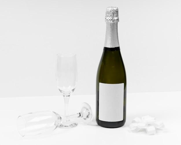 ボトルとグラスの配置
