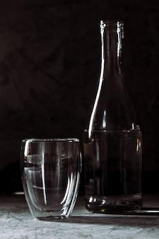 Бутылка и банка