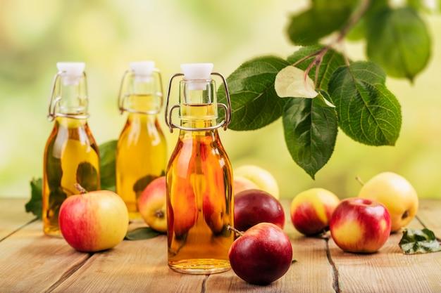 リンゴ酢のボトル