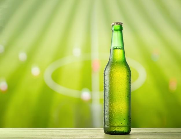 Бутылка пива и футбол