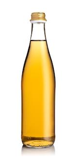 Бутылка свежего лимонада, изолированные на белой поверхности