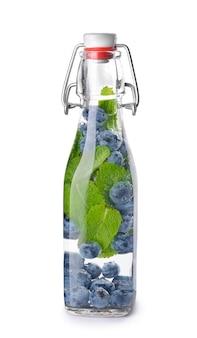 白の注入水のボトル