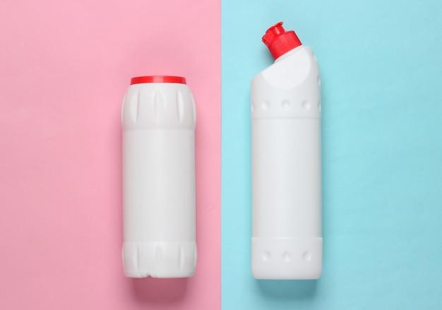 青ピンクのパステルカラーのクリーニング製品のボトル