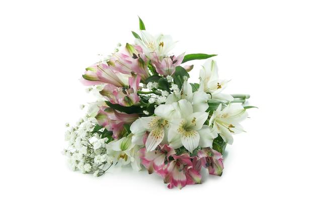 흰색 배경에 고립 된 아름 다운 꽃의 꽃다발