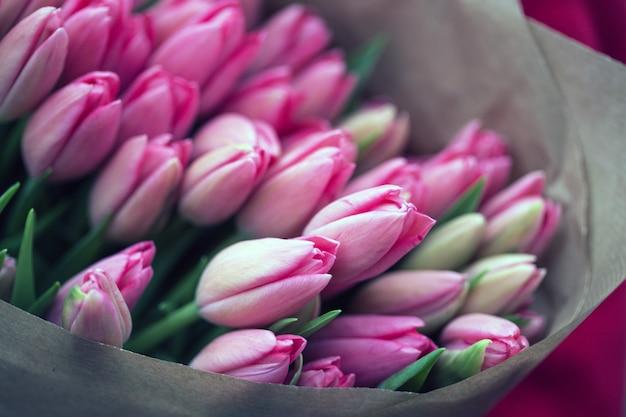 아름 다운 핑크 튤립 꽃다발입니다. 암스테르담