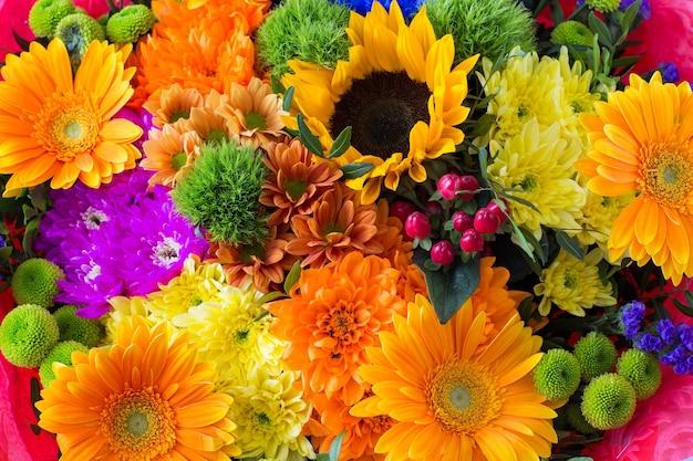 Букет ярких цветов