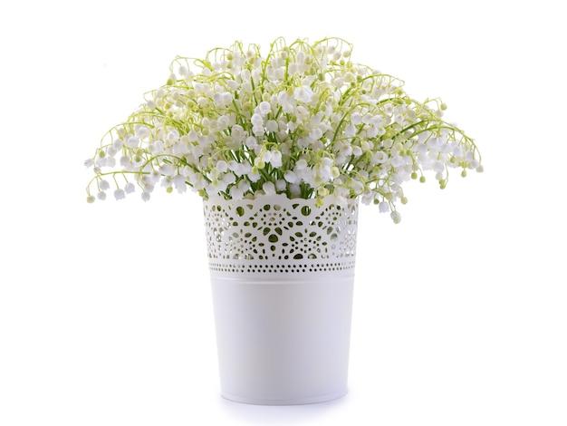 은방울꽃 흰색 절연의 꽃다발.