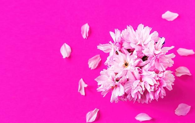 ピンクの桜の花の花束