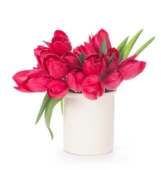 밝은 표면에 핑크 튤립 꽃다발입니다. 휴일 카드.