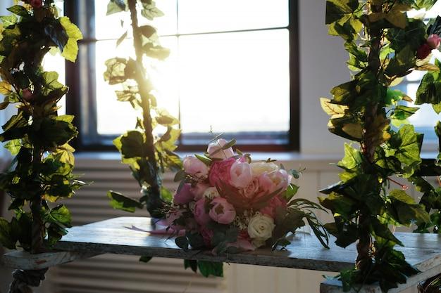 Bouquet su un'altalena