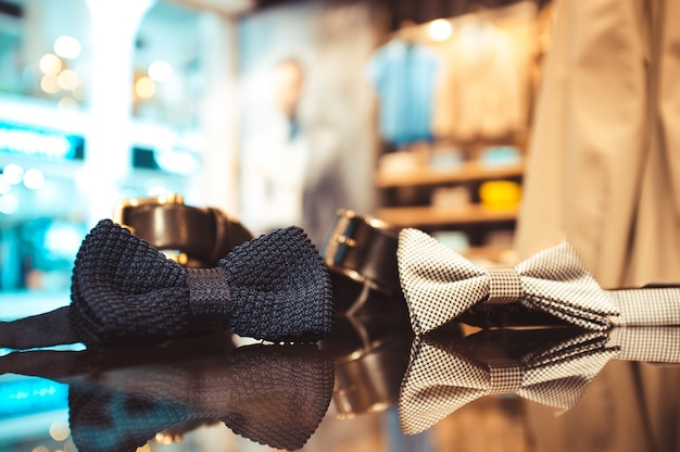 Галстуки-бабочки в магазине мужских аксессуаров