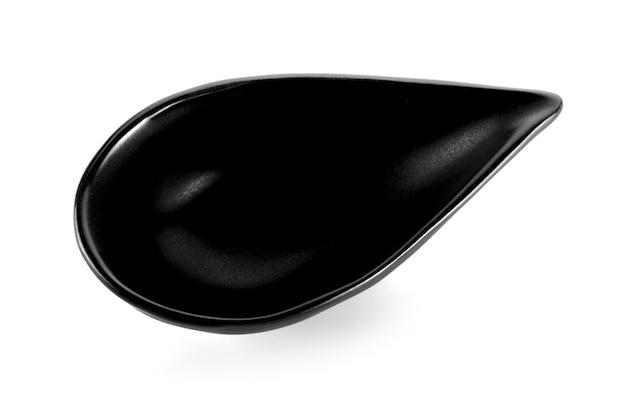 흰색 배경에 고립 된 그릇