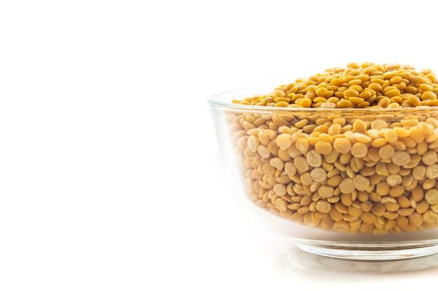 黄色レンズ豆のボウル
