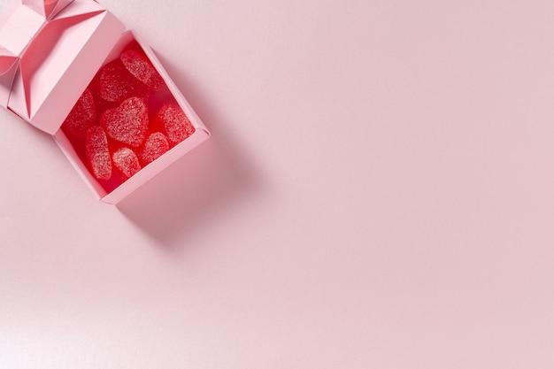 상자와 과자 하트