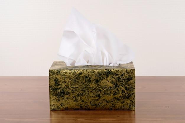 Коробка тканей
