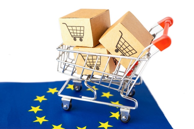Box with shopping cart logo and euro flag