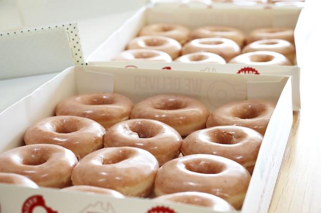 통통 유약 도넛 상자